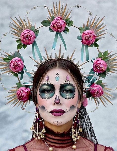 Every year I love attending Dia De Los Muertos Festival event. It's a place of peace and love…literally! 🖤 We celebrate food,… Looks Halloween, Halloween Inspo, Halloween Costumes, Halloween Stuff, Skeleton Costumes, Cartoon Costumes, Halloween Skeletons, Halloween Makeup Sugar Skull, Sugar Skull Costume