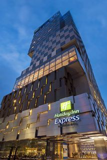 Holiday Inn Express Singapore Orchard Road Hotel Exterior Arch And With Modern