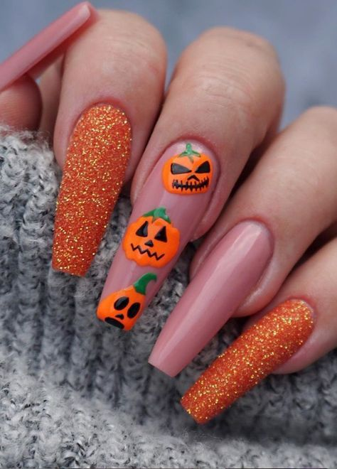 Check out to see what coffin shaped nails or ballerina nails look like, and find 65 inspiring images of coffin nail designs to try! Halloween Acrylic Nails, Halloween Nail Designs, Halloween Decorations, Halloween Makeup, Winter Nail Art, Winter Nails, Almond Shape Nails, Almond Nails, Nail Art Designs