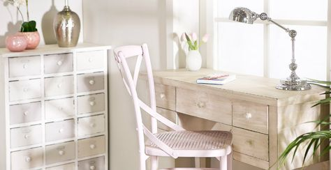 Cassettiera per ufficio scrivania lampada sedia tempestina