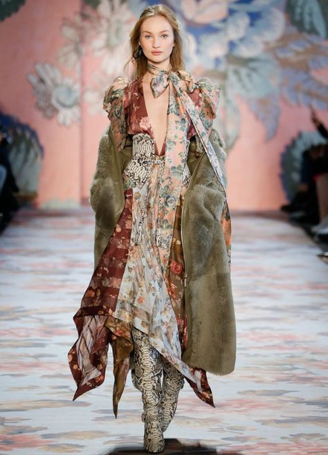 Take a look at the fall/winter 2018 collection from the brand that masters modern romantic style, Zimmermann.