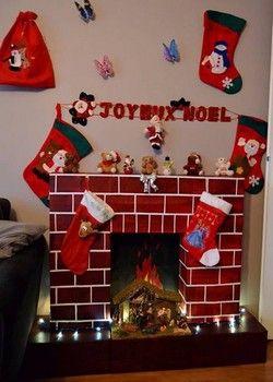 Une décoration de noël ou le bricolage de Noël qu\u0027il faut réaliser comme la  décoration du sapin. Il faut faire une fausse cheminée en carton pour N\u2026