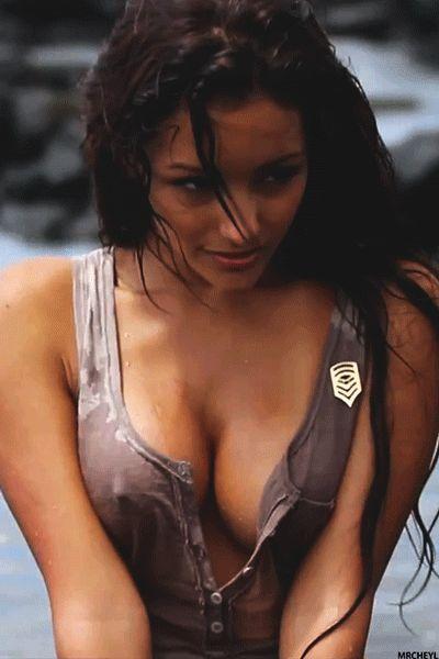 Hot sexy wet girl