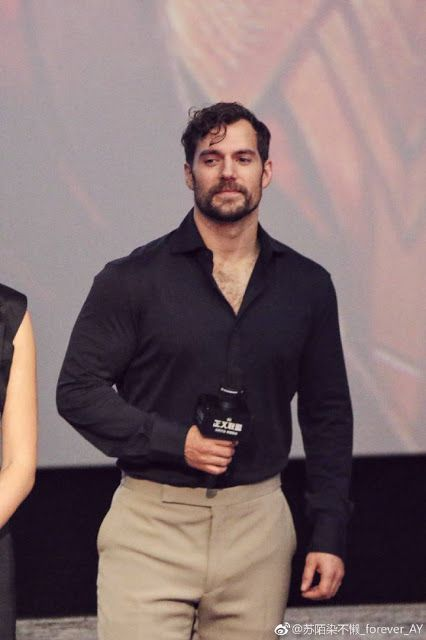 Henry Cavill News Justice League Cast In Beijing Everything From Day 2 Justice League Cast Justice League Funny Interview