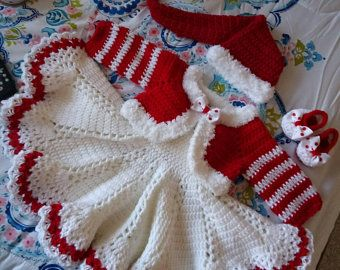 crown hat and  shoes panties this is  gorgeous comes with the dress Crochet white and pink baby dress layette