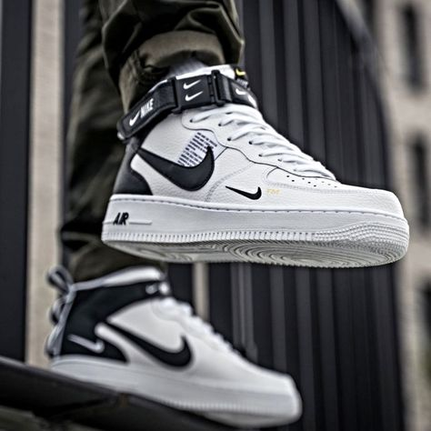 2017 Nike Air Force 1 Mid Mens White White Trainers Stretch