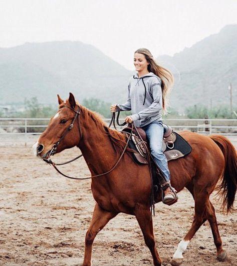 Cute Horses, Pretty Horses, Horse Love, Beautiful Horses, Foto Cv, Foto Cowgirl, Westerns, Horseback Riding Outfits, Rodeo Life