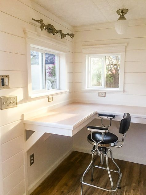 Countertop desk - Need some home office inspiration? This Tuff Shed office houses a floral design business! The shiplap, tin plate, and wood laminate floors make this office a total style inspiration. Shed Office, Tiny Office, Backyard Office, Backyard Studio, Garage Office, Office Setup, Shed Home Office Ideas, House Ideas, Shed Hangout Ideas