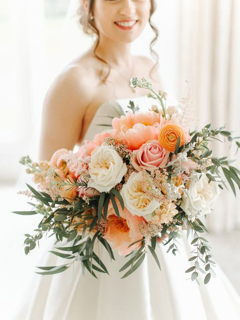 A Caroline Castigliano Gown for a Chic and Classic Manor Hou.- Oversized peach wedding bouquet – A Caroline Castigliano Gown for a Chic and Classic Manor House Wedding in Shades of Peach - Simple Wedding Bouquets, Floral Wedding, Peach Wedding Theme, Coral Wedding Dresses, Wedding Bridesmaids, Dress Wedding, Coral Wedding Decorations, Coral Wedding Colors, Bridesmaid Bouquets