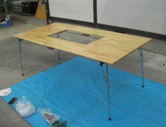 バーベキューテーブル自作4選 100均グッズでもできる Camp Hack キャンプハック バーベキュー テーブル アウトドア テーブル 折りたたみ テーブル