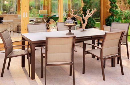 mesa y sillas terraza aki