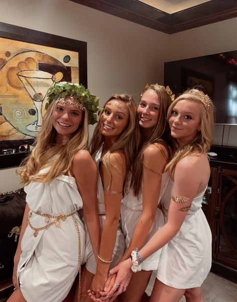 sskyliinnYou can find Toga costume and more on our website. Toga Party Costume, Cute Group Halloween Costumes, Trendy Halloween, Group Costumes, Halloween Outfits, Adult Costumes, Pirate Costumes, Turtle Costumes, Woman Costumes