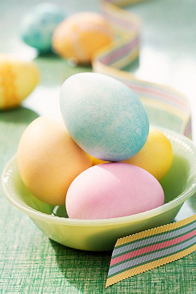 Dye eggs the natural way #Easter