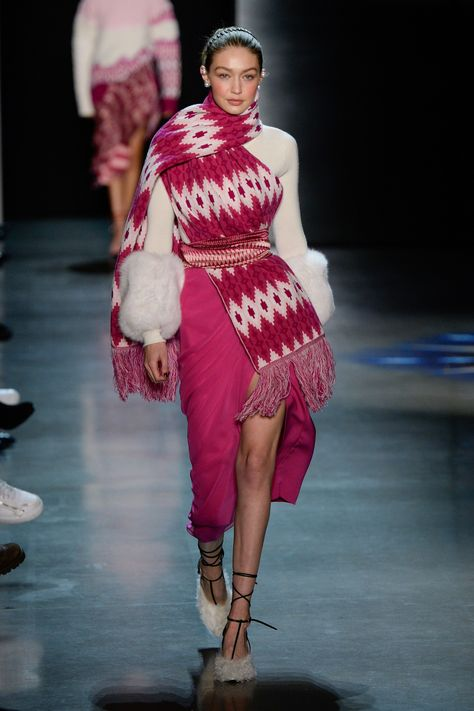 The complete Prabal Gurung Fall 2018 Ready-to-Wear fashion show now on Vogue Runway.- Tap the link now to see our super collection of accessories made just for you!