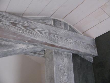 La Poutre Objet Principal De L Ambiance Poutre Poutres Peintes Poutre Plafonds