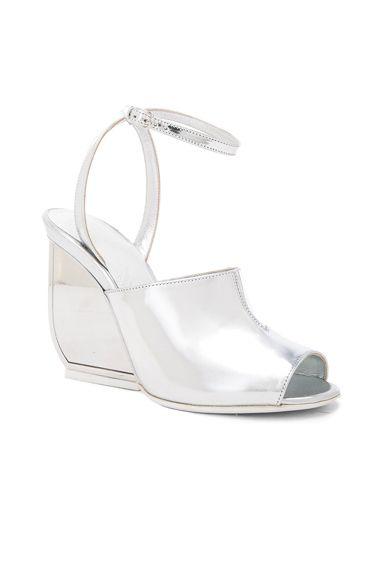 Pin by Glynis Eliz on It looks good on ya | Women shoes