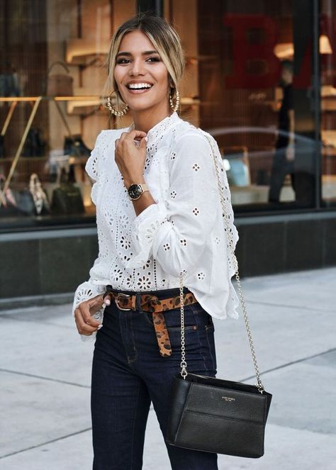 10 blusas sencillas y elegantes para ir a la oficina en otoño