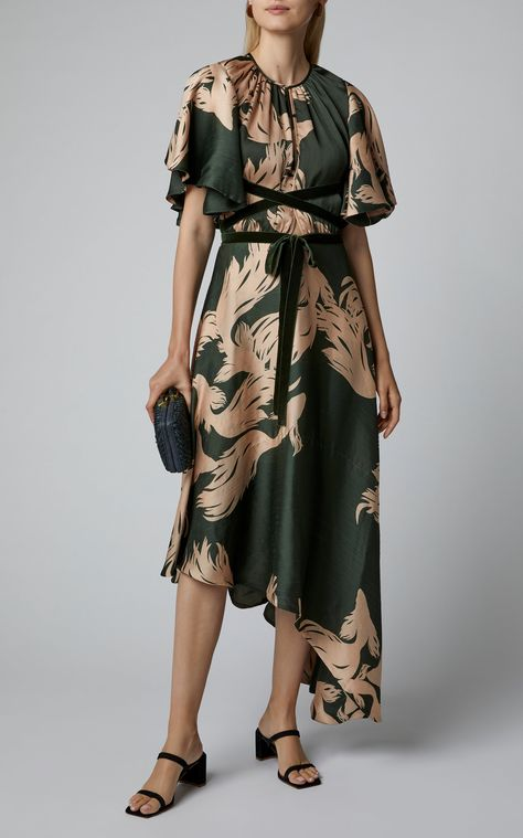 Shop for sophisticated evening wear for any occasion at Moda Operandi. View the collection of evening gowns, jumpsuits & dresses.