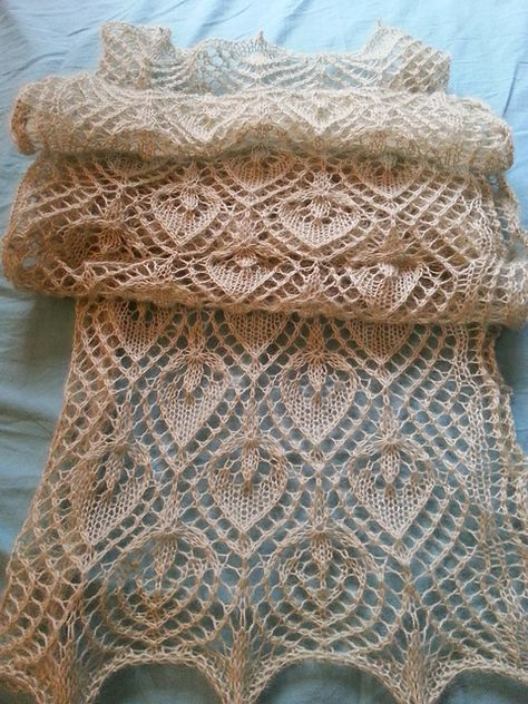 CLARK BEAUTIFUL LACY  BUTTERFLY GARDEN SHAWL SCARF THROW  to KNIT by EVELYN A