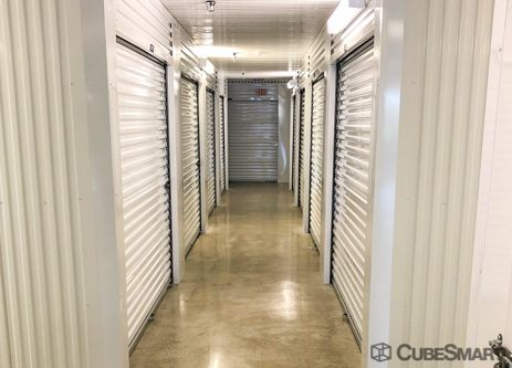 A Cubesmart Facility Photo In San Antonio Texas Self Storage Affordable Storage Self Storage Units