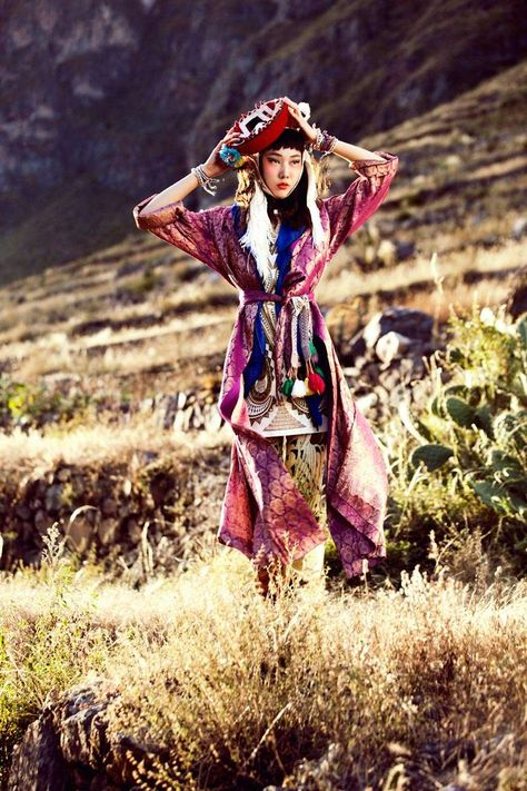 La Señorita Bello - Alexander Neumann captures the beauty of traditional Peruvian folk style in Cusco with this spirited editorial for the July issue of Vogue Korea. Styled by Aeri Yun, model Han Hye Jin