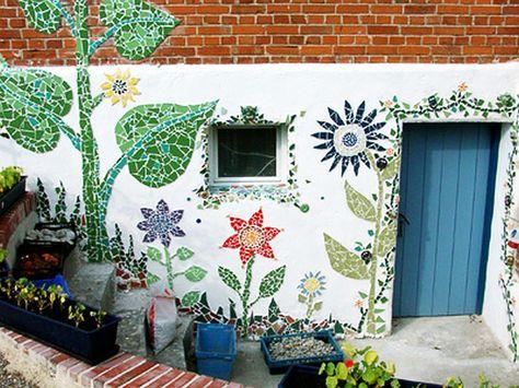 adelaparvu.com despre casa colorata, gard cu forma de creioane, interioare colorate, idei creative acasa, designer Bine Braendle (47)