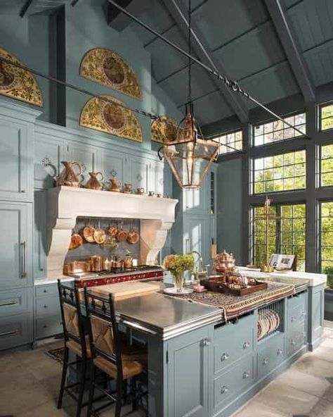 Beautiful French Country Kitchen Design And Decor Ideas - A kitchen can be more than just about its role in function, organization and efficiency. Kitchens need a personality and a look and feel that can live. Dream Home Design, My Dream Home, House Design, Kitchen Interior, Home Interior Design, Kitchen Decor, Kitchen Ideas, Mansion Interior, Buy Kitchen