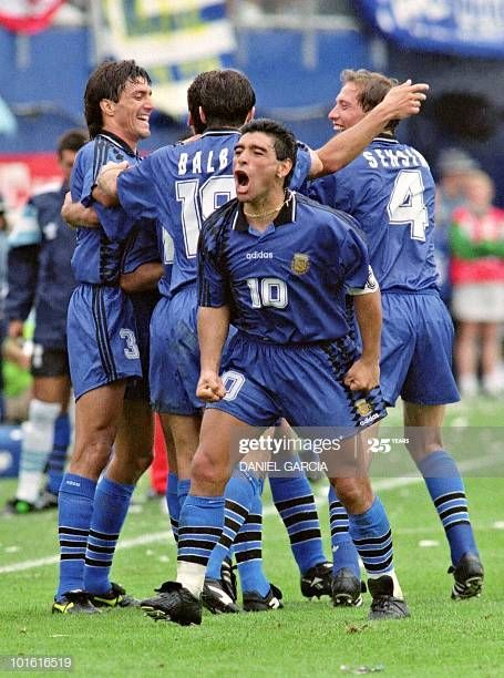 Argentina Vs Greece 1994 Stock Pictures Royalty Free Photos Images Getty Images In 2020 Football Players Sports Soccer