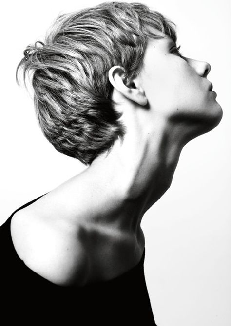since I have short hair, this is something I search right now for my new cut! Hair Dos, My Hair, Short Hair Cuts, Short Hair Styles, Braided Hairstyles, Cool Hairstyles, Marla Singer, Crop Hair, Great Hair
