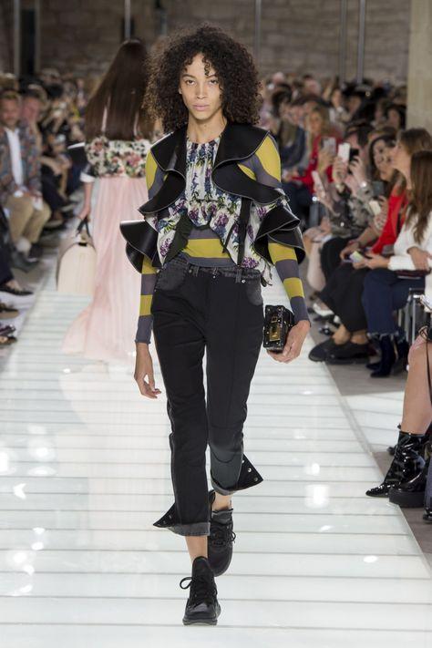 5007552222ac Louis Vuitton коллекция | Коллекции весна-лето 2018 | Париж | VOGUE