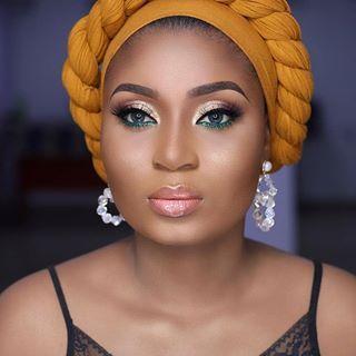 Ms Asoebi Ms Asoebi Photos Et Videos Instagram Coiffure Avec Foulard Echarpe D Enveloppement De Cheveux Foulard Cheveux