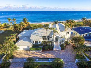 Ocean Bay Luxury Beach House 7 Bedroom Estate On 100 Feet Of Oceanfront Luxury Beach House Holiday Home Oceanfront Vacation Rentals