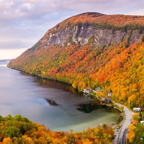 On your next trip to Vermont, step off the beaten path and savor some of the weird and wonderful charms that this tiny state has to offer. Stowe Vermont, Burlington Vermont, Quechee Vermont, Waterbury Vermont, Oh The Places You'll Go, Places To Travel, Places To Visit, Travel Destinations, Voyage Usa