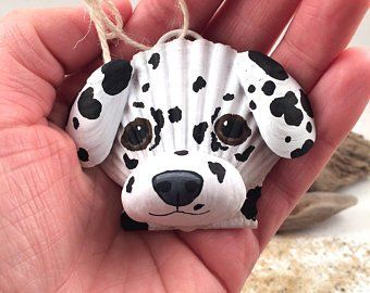 King Charles Cavalier Dog Ornament Made Out Of Seashells Find More Fun Ornaments And Craft Supplies At Ww Shell Crafts Seashell Crafts Shell Crafts Diy