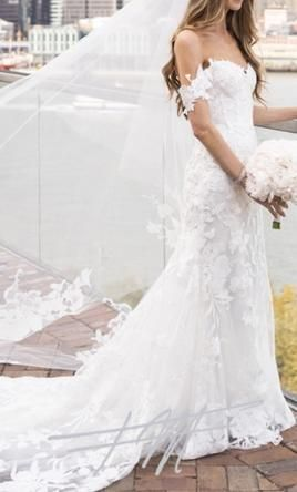 Monique Lhuillier Custom Made Willow Gown Wedding Dress Used Size 4 4 999 In 2020 Wedding Dress Alterations Monique Lhuillier Wedding Dress Boho Wedding Dress Bohemian