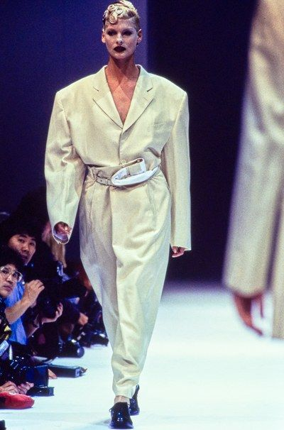 Comme des Garçons Spring 1995 Ready-to-Wear Collection - Vogue