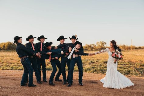 """Hailey & Jess Lockwood's wedding photos are up and I am absolutely in love with this 🥰"" Country Wedding Photos, Romantic Wedding Photos, Country Style Wedding, Country Wedding Dresses, Wedding Pics, Dream Wedding, Country Weddings, Western Weddings, Western Wedding Ideas"