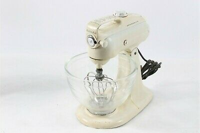 Fanatic Old Mixer White Kitchen Aid C 3 Model Glass 3 Qt Bowl With Whisk Tested And Working In 2020 Kitchen Aid Vintage Kitchen Glass Bowl