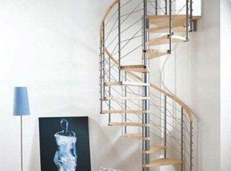 Les Escaliers Partie 3 Leroy Merlin Avec Images Escalier En Colimacon Fabriquer Escalier Bois