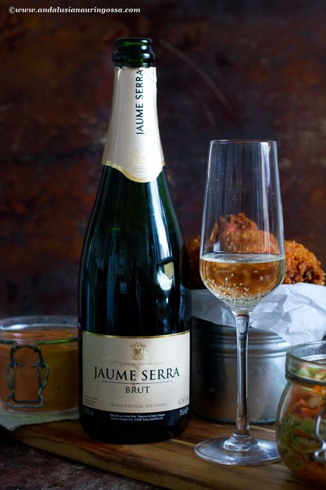 Sparkling wine (or Champagne, should you really want to go all out!) is a surprisingly good wine pairing for fried chicken. Don't believe it? I have just the recipe!