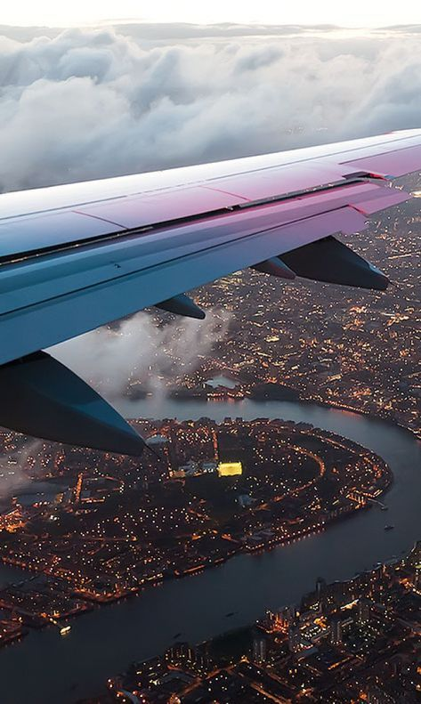 New Travel Airplane Photography Airports 41 Ideas Wallpaper Travel, Airplane Wallpaper, City Wallpaper, Airplane Photography, Nature Photography, Travel Photography, Watches Photography, Adventure Photography, City Aesthetic
