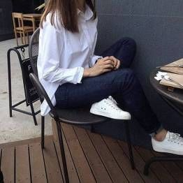 112 Women's White Sneakers Outfit Idea | White sneakers