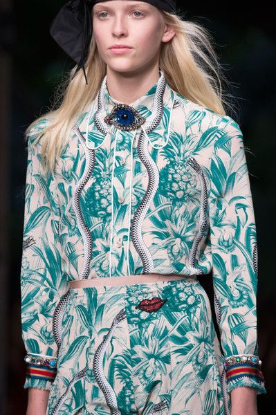See all the Details photos from Gucci Spring/Summer 2016 Ready-To-Wear now on British Vogue