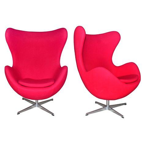 Egg Chair Roze.Pair Of Swivel Tilt Red Egg Chair By Arne Jacobsen Stoelen