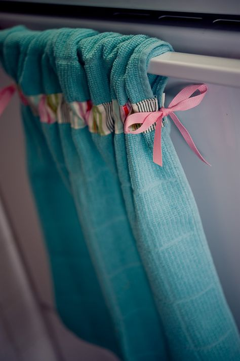 kitchen towels - brilliant. I'm totally doing this... maybe some for Christmas presents too!