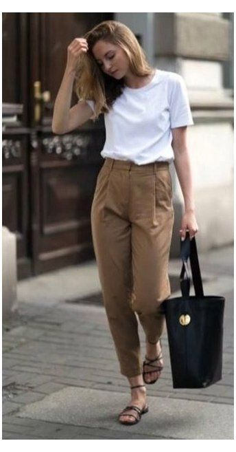 minimalist summer outfit curvy