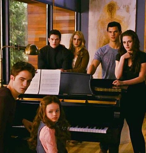 Photo of Bella & Edward for fans of Edward and Bella.