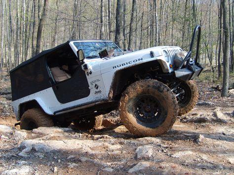 Jeep Looks Fun Off Road Adventure Jeep Jeep Parts