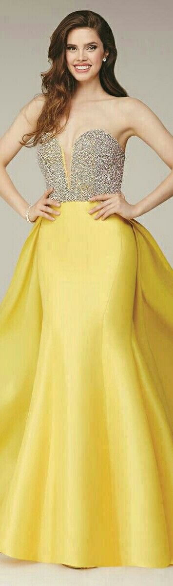yellow mermaid style gown