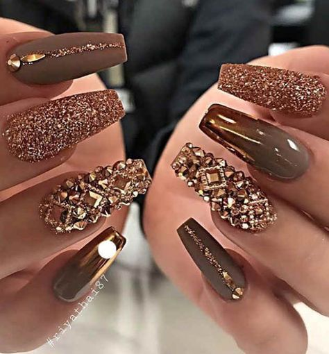 80+ Pretty Winter Nails Matte Color For Long Nail Art Designs